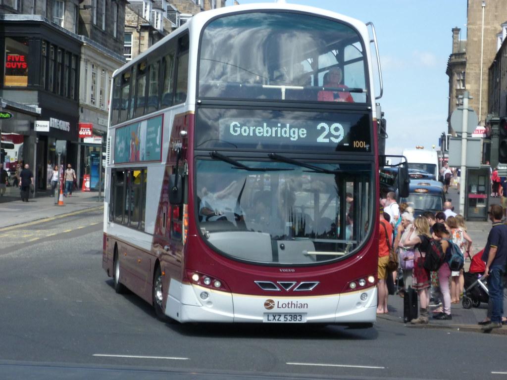 Lothian 1001 at Frederick Street, Edinburgh