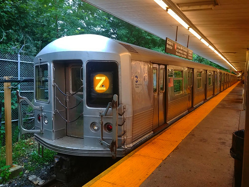 1969 St. Louis Car Company R42 Car 4805 on the (Z) at Middle Village-Metropolitan Avenue | by BM5 via Woodhaven (Main)