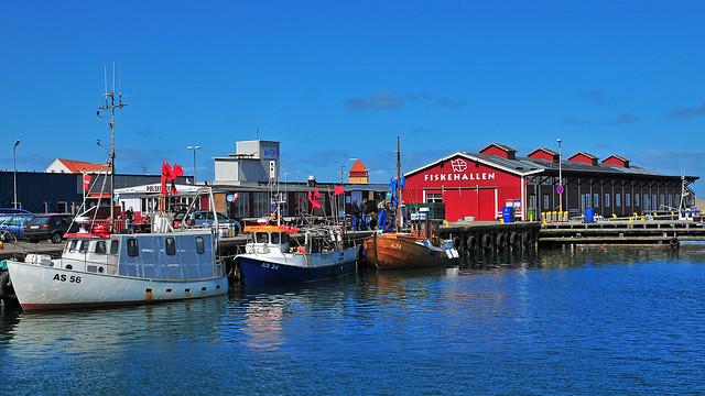Fiskehallen in Thyborøn (DK) / The red fish barrack / Die rote Fischhalle
