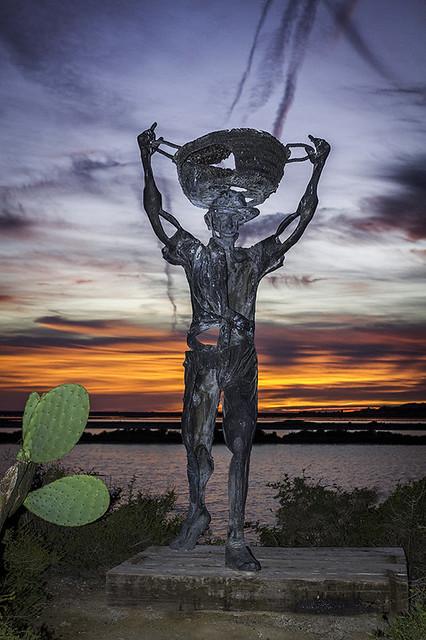 Es saliner - Estatua dedicada a los trabajadores de las salinas de Ibiza -