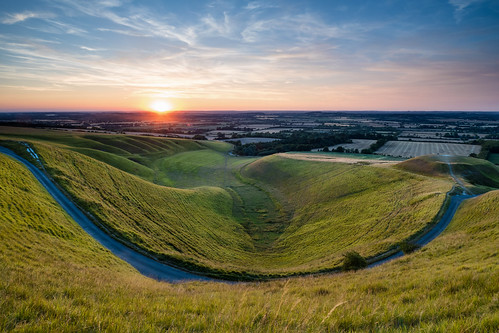 countryside evening hill horse oxfordshire summer sunset uffington views white