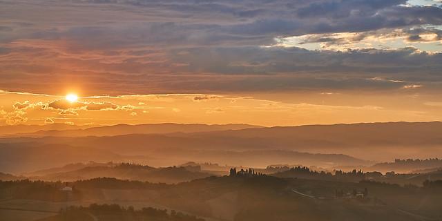 Sunrise near San Gimignano