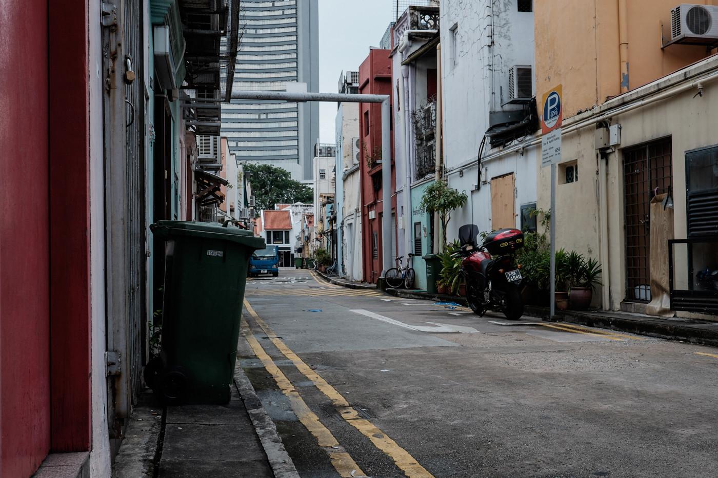 xf23mm f1.4 rの作例 レビュー スナップ シンガポール 路地