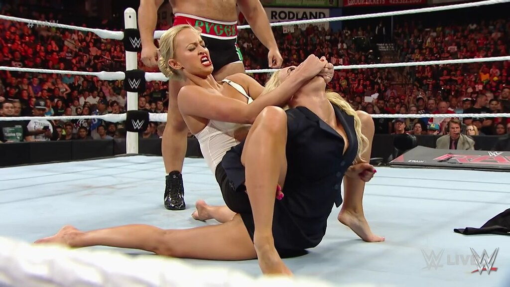 """Wrestling barefoot """"Squashed by"""