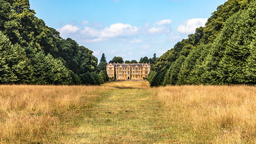 montacute house mansion elizabethan period park avenue grass field tree building architecture nationaltrust somerset england english landscape sky vista