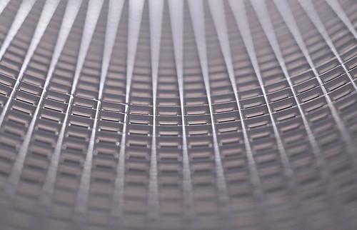 macro macromondays mesh plastic plasticcanvas needlepoint futuristic linear nikond3200 50mm18 niftyfifty extensiontubes extensiontube20mm