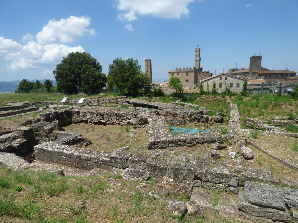 Etruscan Acropolis ruins in Volterra | A visit to see the Et