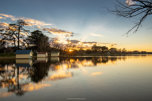 1635mm canoncollective canonaustralia canoneos canoncollectiveofficial canon5dmk4 canon5d4 canon5dmkiv canonphotography landscape water lake sunrise winter days travelvictoria visitballarat lovely reflection riverbank
