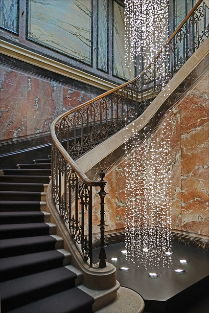 Le grand escalier du musée d'ethnographie (Neuchâtel, Suisse)