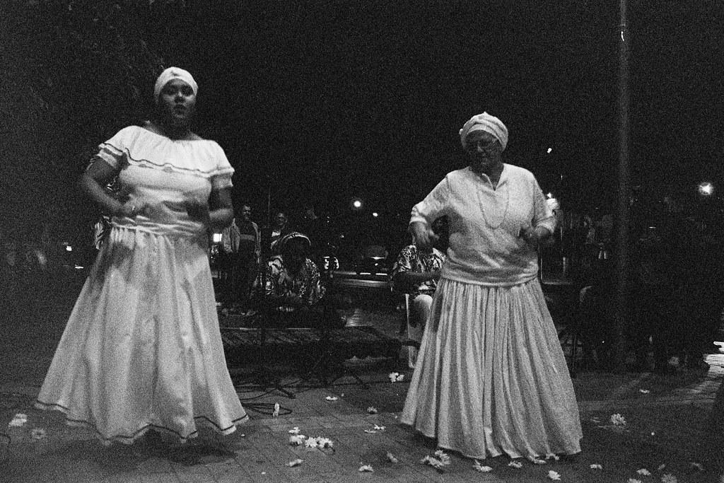 """""""Ato em memória dos 20 anos da Chacina do Beco do Candeeiro"""", Cuiabá, MT, Brasil (fotografia analógica - Nikon F401S, 50mm 1.8, Ilford HP5 Plus 400 vencido)."""