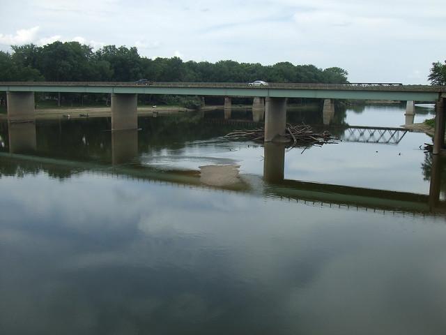 9th Street Bridge with CSX railroad bridge, behind.