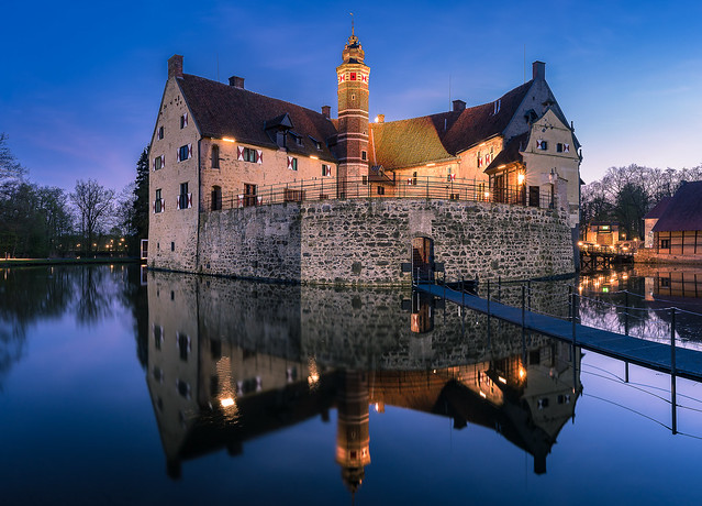 Burg Vischering zur Blauen Stunde
