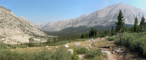 0576 Northwest view down Bubbs Creek from the JMT with Kearsarge Pinnacles and University Peak on the right | by _JFR_