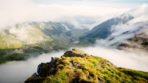 2018 berg berge ccby canoneos6d carpathianmountains clouds creativecommons eos6d karpaten morgen morning mountain mountains romania românia rumänien sommer sonnenaufgang summer sunrise transfăgărășan urlaub2018 wolken zeissdistagont3518ze arefu județulargeș ro