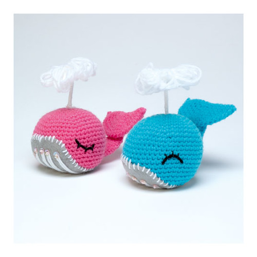 Amigurumi Kit Pepper Whale - Hoooked | 500x500
