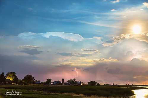 storms thunderstorms severethunderstorms clouds scenic travel views overlook coloradonaturelandscapes nature landscapes lightning sky monsoon extremeweather bouldercounty colorado jamesinsogna photography longmont unitedstates farms farming agriculture