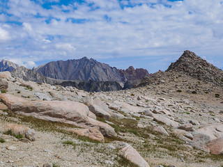 Looking back down the sandy plateau the trail climbs | by snackronym