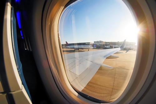 atlanta 8mm samyang fisheye atl airport cabin window view