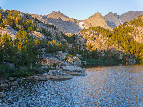 Sunrise at Lower Lamarck Lake, also a view to the high plateu that leads to Lamarck Col | by snackronym