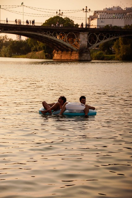 Relaxing at Guadalquivir river