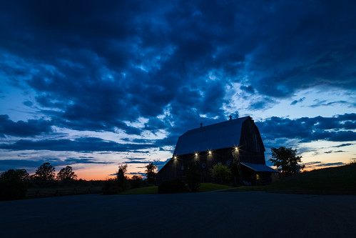 carletonplace ontario canada ca barn thebarn sunset building sky longexposure