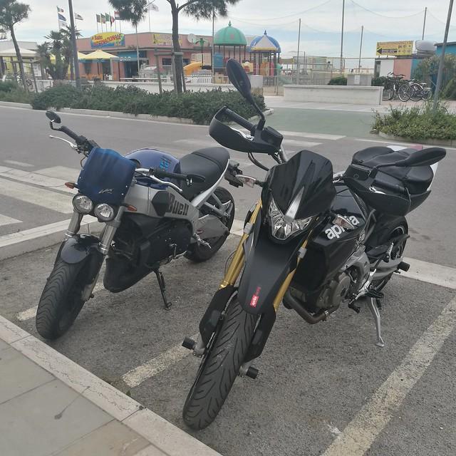#moto Aprilia Buell parcheggio