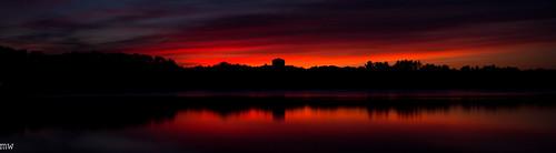 freemanlake crystallake northchelmsford chelmsford merrimackvalley massachusetts newengland sunset longexposure leefilters 6d 1740mm orange red lake