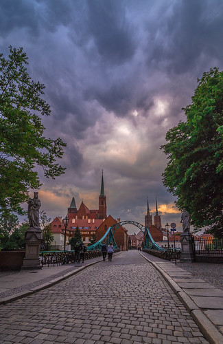 bridge wroclaw poland europe travel holidays may spring 2018 canon 6d tokina 1628mm landscape city cityscape urban landmark clouds cloudy cloud cloudscape sunset view sky skyscape colors colours