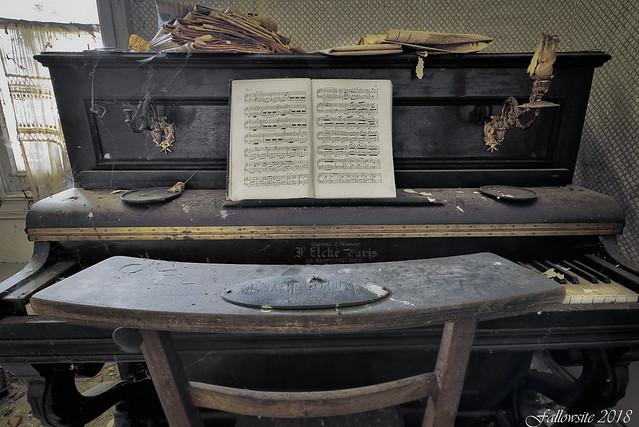 Piano sans bretelles.