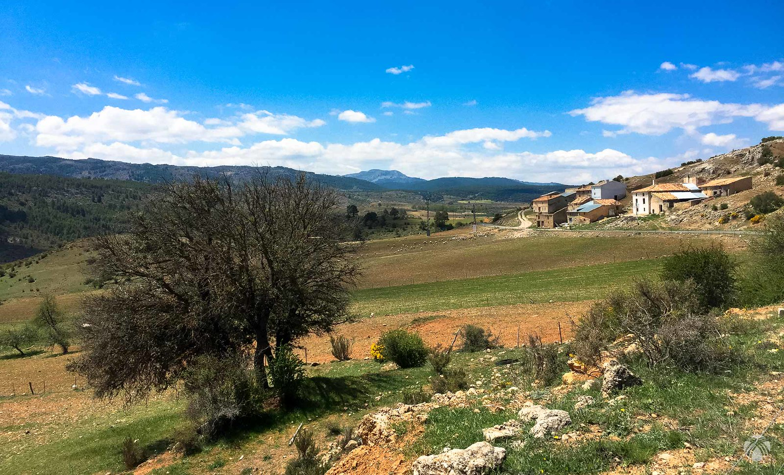 El valle de Huebras. Al fondo se aprecia la Guillimona