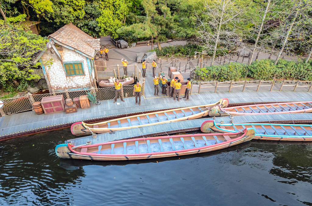 canoes from riverboat TDL