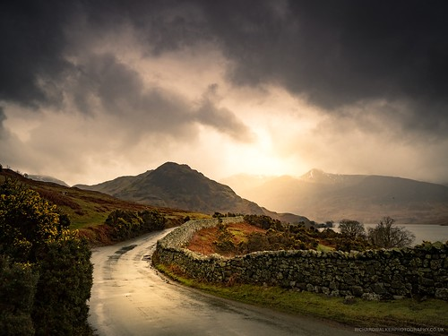 clouds landscape crummockwater lake nature stormy buttermere lakedistrict storm mountains cumbria sunrise