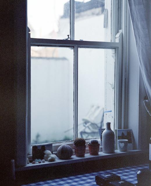 Annmount, windowsill
