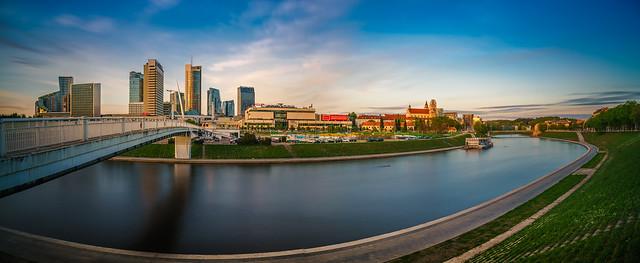 Golden hour :: Panorama Vilnius