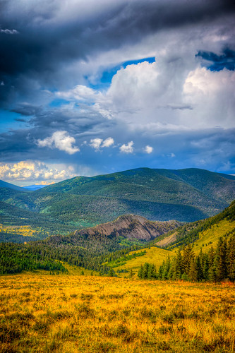 dakotasandstone farleywildfloweroverlook hwy12 highwayoflegends sanluisvalley geology hogback