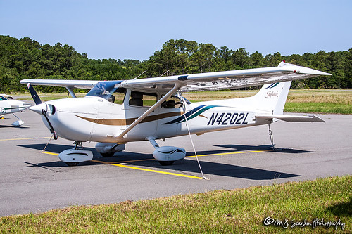 172r air aircraft aircraftspotter aircraftspotting airplane airport aviation canon capture cessna digital eos ffa firstflight flight fly flying history image impression kffa killdevilhills kittyhawk kittyhawkairport mjscanlon mjscanlonphotography mojo n4202lcessna172rskyhawk northcarolina obx outerbanks perspective photo photograph photographer photography picture plane planespotter planespotting scanlon sky skyhawk spotter spotting super view wow wrightbrothers wrightbrothersnationalmemorial wrightflyer ©mjscanlon ©mjscanlonphotography n4202l