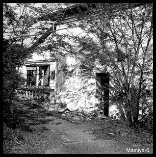 Mamiya-017.bmp   by Bokey Shutter