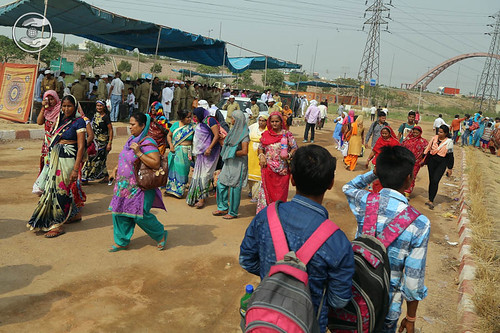 Arrival of devotees for Samarpan Diwas