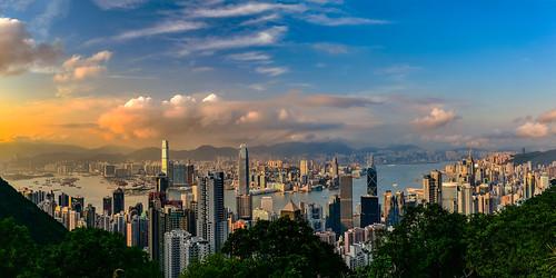 hongkong hong kong city skyline blue hour dusk dawn sunset sunrise sonnenuntergang sonnenaufgang zeiss lights sky himmel heaven skyscraper water 摩天大廈 建築物 park happyplanet asiafavorites