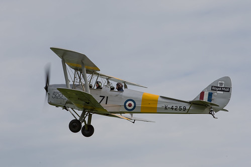 de Havilland DH 82-C Tiger Moth s/n 981 (1941) C-GMTH | Flickr