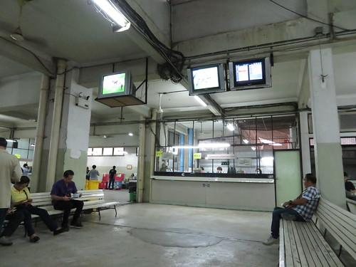 ロイヤルターフクラブ競馬場の1階