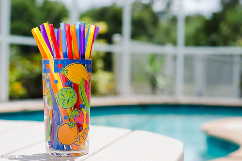 nikond7000 nikkor50mm118g landscape lightroomcc no6365~2018 lakewoodranch bgdl niftyfifty florida poolside drinkingglass straws brightandcheerful