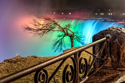 canada hff horeshowfalls niagarafalls nikkor24120mm ontario bokeh coloredlights colorful colors fence fences gnarly lights longexposure metal mist stone trees water waterfalls wet