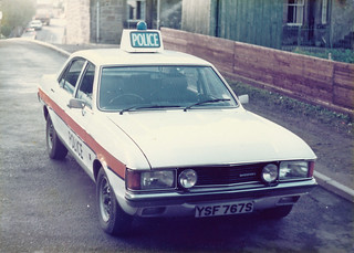 Ford Granada 3.0 YSF 567S 'ZH FT67',L&B Traffic Dept, Bathgate, old West Calder Police Station 1979(1) | by landshark2084