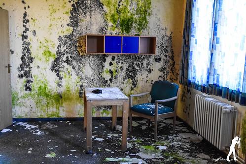 Lost Places: Die klosterhafte Suchtklinik   by smartphoto78