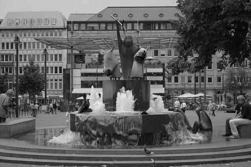 Neptunbrunnen in Bremen | by lenni_hb