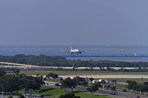 aircraft shortfinal approach tampa bay international airport tpa scenic views