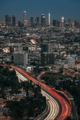 losangeles la dtla california usa highway traffic rushhour lighttrails urbanskyline skyline city cityscape fullframe bluehour mulhollandsceniclookout mulhollanddrive urban