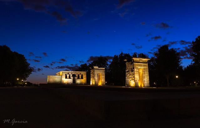 Templo de Debod & Venus en hora azul