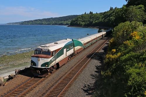 trains railroads amtrak cascades passengertrains carkeekpark seattle washington talgo